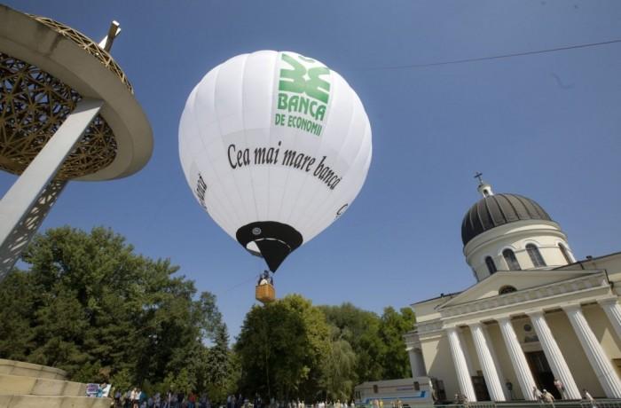 De Ziua Independenței, Banca de Economii a venit cu cadouri pentru locuitorii Moldovei