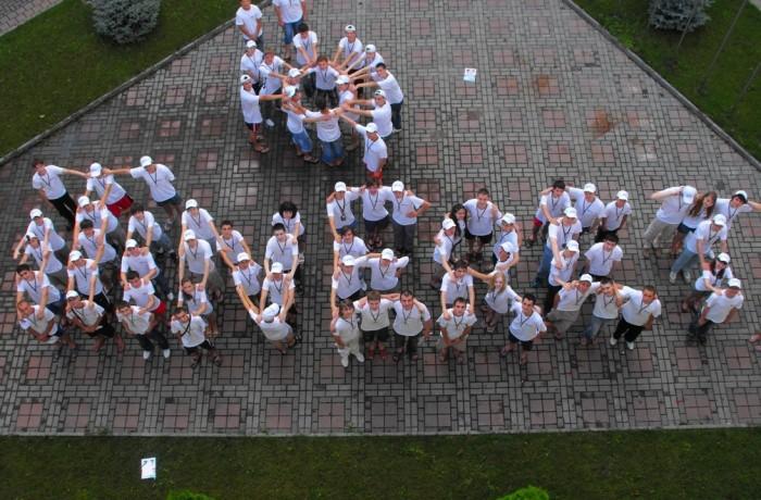 """""""iTineret- Viitorul începe cu tine"""" – primul concurs naţional de proiecte IT din Republica Moldova"""