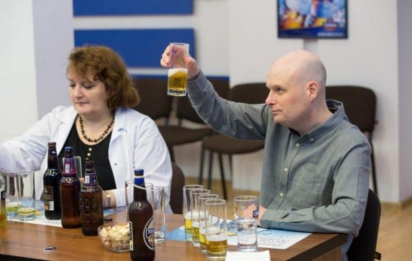 Mituri despre berea produsă de Efes Moldova spulberate de criticul Jeff Evans